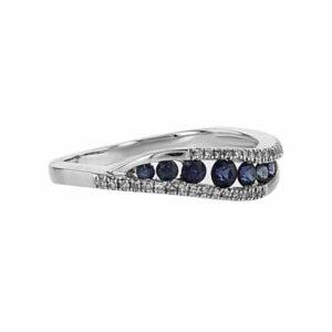 טבעת ספיר 0.37 קראט, זהב-לבן 14 קראט, משובצת יהלומים