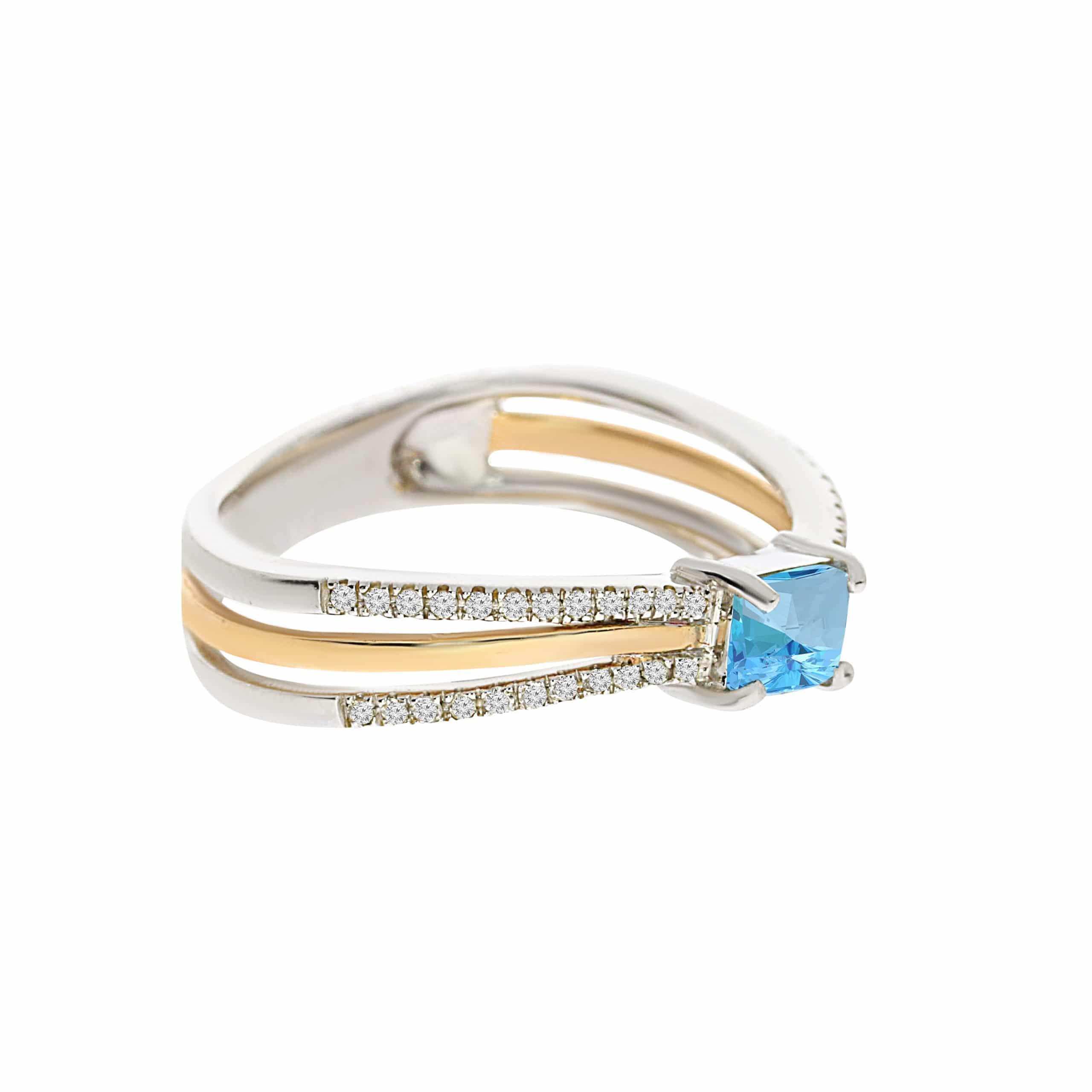 טבעת בלו טופז 0.36 קראט, זהב-לבן 14 קראט, בשיבוץ 0.13 קראט יהלומים