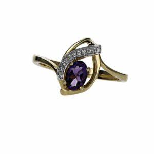 טבעת אמטיסט 0.47 קראט, זהב-צהוב 14 קראט, משובצת יהלומים