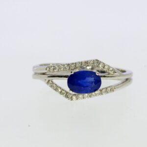 טבעת ספיר 0.88 קראט, זהב-לבן 14 קראט, משובצת 0.15 קראט יהלומים