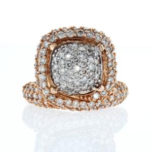 טבעת יהלומים משובצת 3.31 קראט זהב לבן ואדום 18 קראט