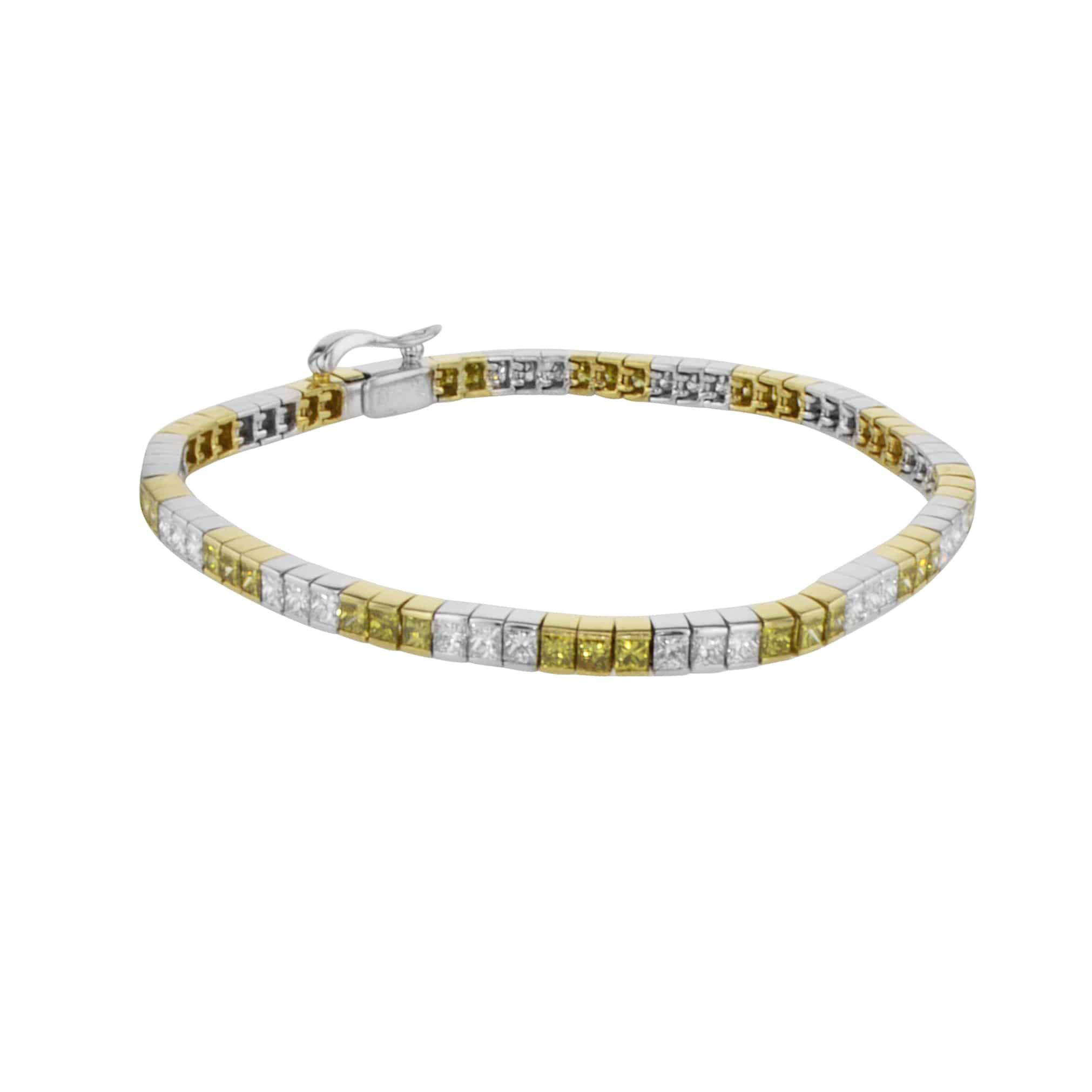 צמיד יהלומים 4.68 קראט, זהב-לבן 18 קראט