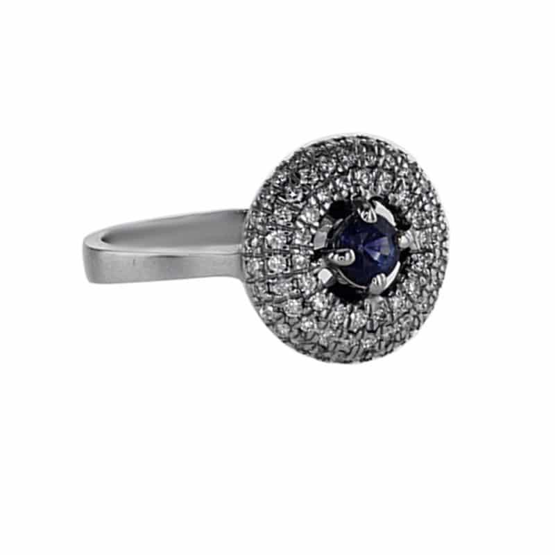 טבעת ספיר 0.43 קראט, זהב-לבן 18 קראט, משובצת 0.46 קראט יהלומים