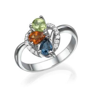 טבעת אבני חן ספיר, בלו טופז ופרידוט 1.17 קראט, זהב-לבן 18 קראט, בשיבוץ 0.16 קראט יהלומים