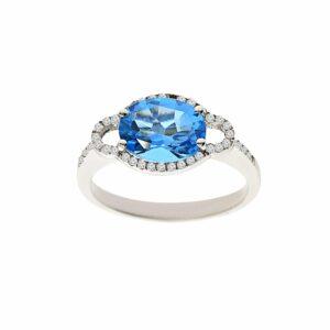 טבעת בלו טופז 2.20 קראט, זהב-לבן 14 קראט, בשיבוץ 0.15 קראט יהלומים