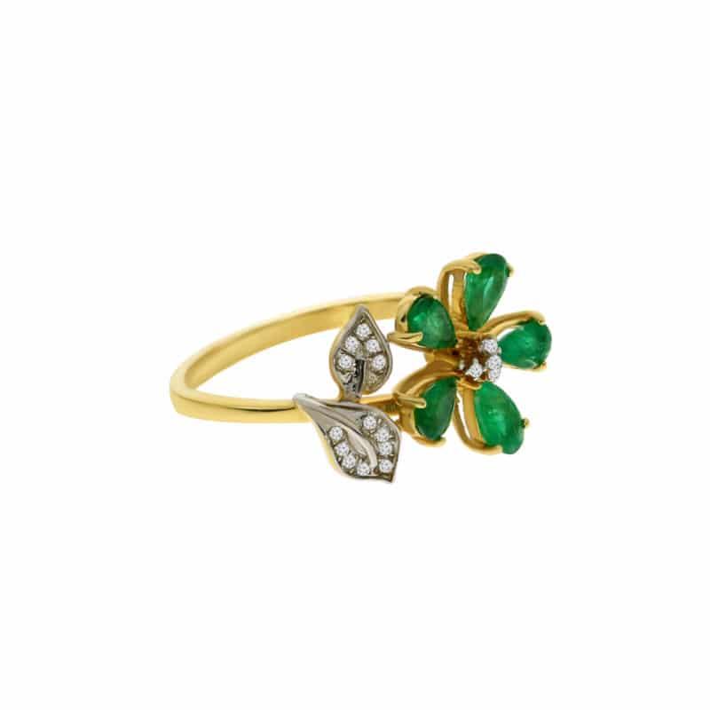 טבעת אמרלד 0.92 קראט, זהב-צהוב 14 קראט, משובצת יהלומים