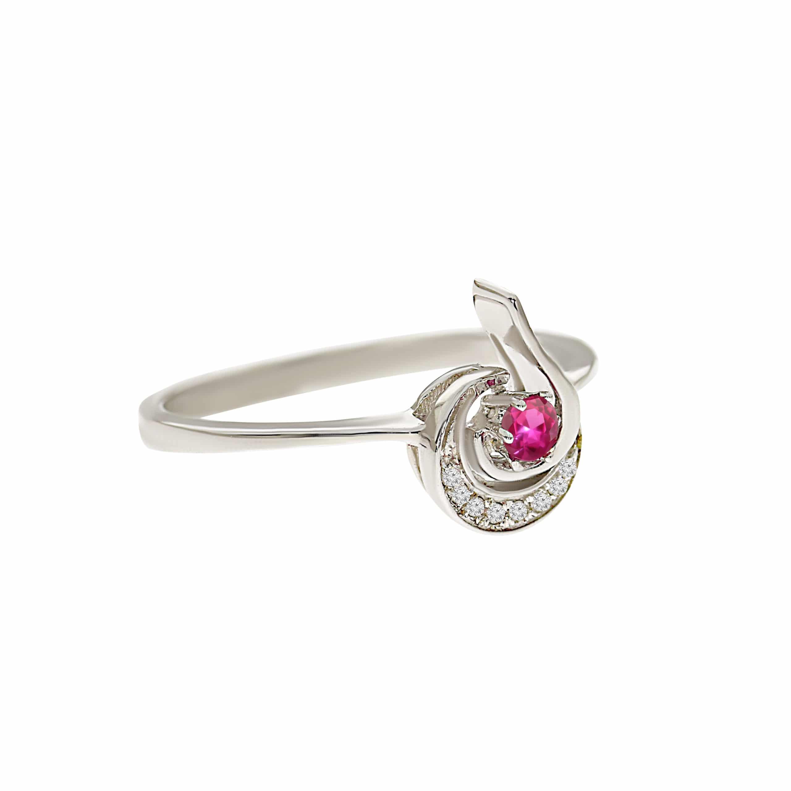 טבעת אבן רובי 0.10 קראט, זהב -לבן 14 קראט, בשיבוץ יהלומים
