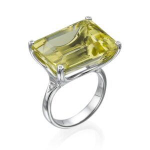 22.30 carat Lemon Topaz gemstone in a 18 karat white Gold Ring, set with Diamonds