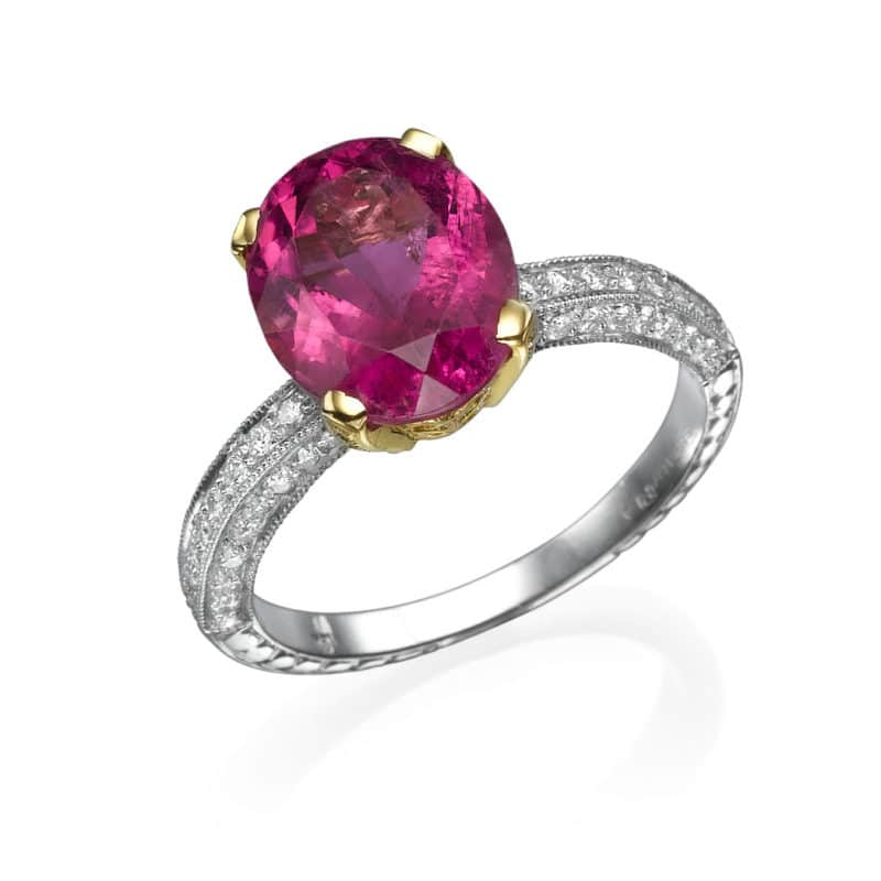 טבעת אבן רובילייט 3.78 קראט, זהב פלטינום  בשיבוץ יהלומים