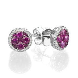 0.91 carat Ruby gemstones in 14 karat white Gold ​​earrings, set with Diamonds