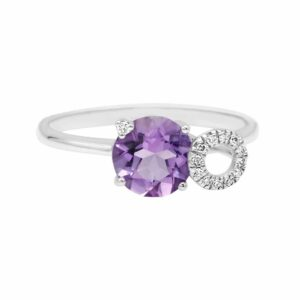 0.97 carat Amethyst gemstones, 14 carat white Gold Ring set with Diamonds