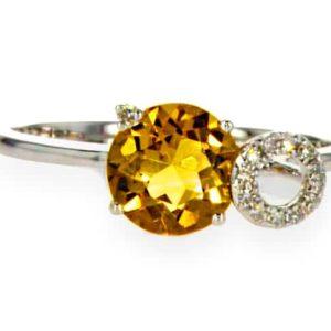 1.13 carat citrine ring, 14 carat gold-white, set with 0.05 carat diamonds
