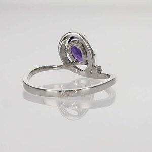 טבעת אמטיסט 0.72 קראט, זהב-לבן 14 קראט, משובצת 0.15 קראט יהלומים
