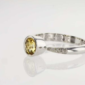 טבעת סיטרין 0.58 קראט, זהב-לבן 14 קראט, משובצת 0.12 קראט יהלומים