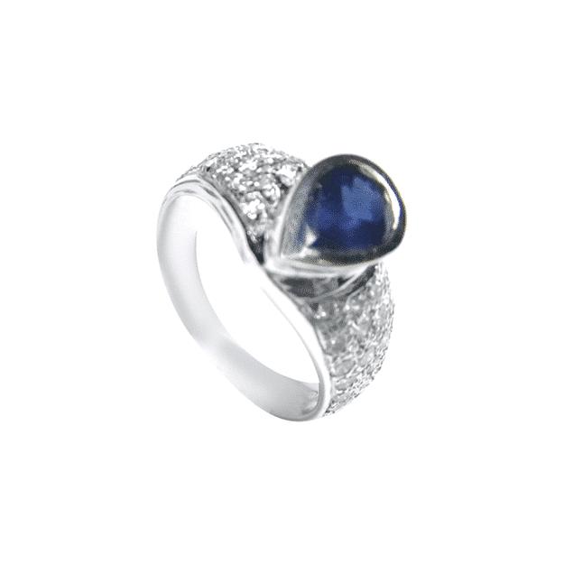 טבעת ספיר 1.13 קראט, זהב-לבן 18 קראט, משובצת 0.73 קראט יהלומים