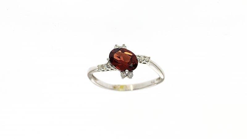טבעת אבן גארנט 1.14 קראט, זהב-לבן 14 קראט, משובצת יהלומים