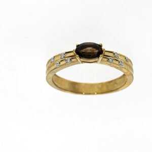 טבעת אבן סמוק טופז 0.41 קראט, זהב-צהוב 9 קראט, משובצת יהלומים
