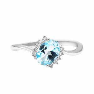 טבעת טופז-כחול 1.08 קראט, זהב-לבן 14 קראט, משובצת יהלומים