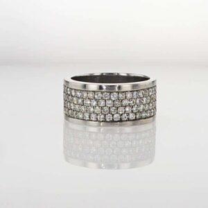 טבעת משובצת יהלומים 1.20 קראט, זהב-לבן 14 קראט