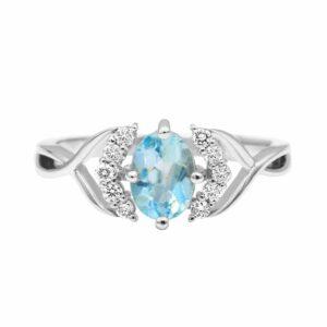 טבעת טופז-כחול 0.88 קראט, זהב-לבן 14 קראט, משובצת יהלומים