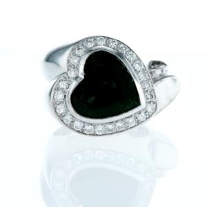 טבעת אמרלד 5.00 קראט, זהב-לבן 18 קראט, משובצת יהלומים