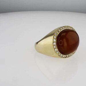 טבעת אבן אגת 14.85 קראט, זהב-צהוב 18 קראט, משובצת יהלומים