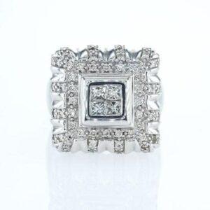 טבעת משובצת יהלומים 1.41 קראט, זהב-לבן 18 קראט